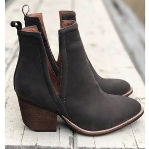 Jeffrey Campbell Orwell Boots NWT